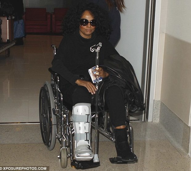 Ouch! Diana Ross Breaks Her Ankle At Naomi Campbell's Party