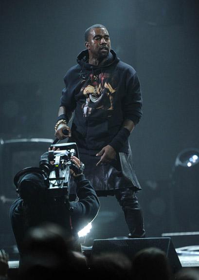 [Video] Alicia Keys & Kanye West Perform at 'Concert for Sandy Relief'