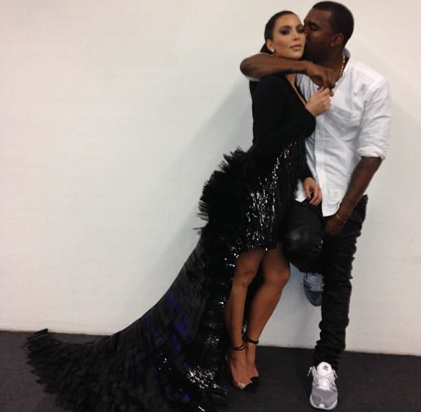 Kim Kardashian & Kanye West Are Pregnant + Kardashian Sisters Tweet Their Excitement