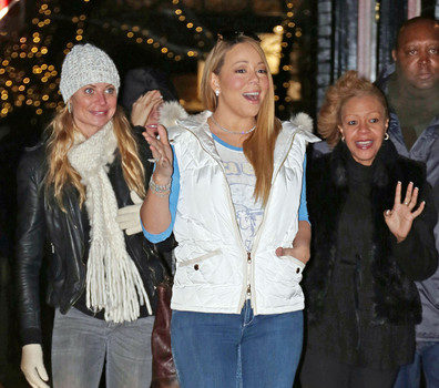 Mariah Carey, Shemar Moore & Romeo Miller Do Last Minute Christmas Shopping in LA