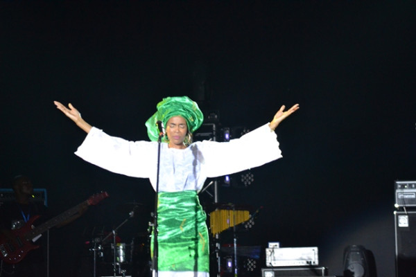 [Video] Michelle Williams Performs National Anthem in Nigeria