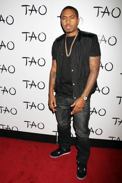 Nas Kicks In in Vegas, Denzel Washington Kicks It in St. Barts + More Celeb Stalking