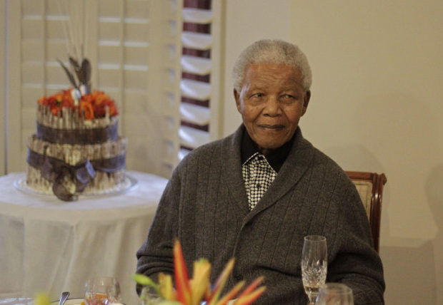 After 13 Days, Nelson Mandela Still In Hospital With Lung Infection