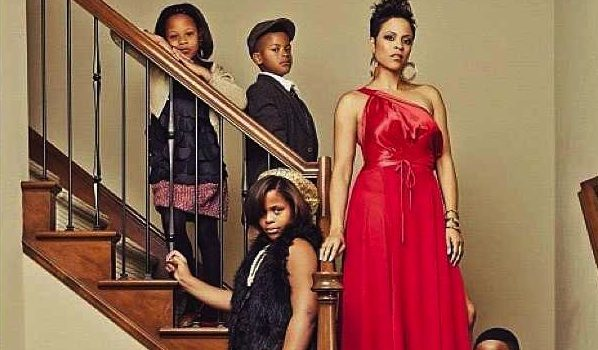 Oprah's Holiday Brunch + Shaunie O'Neal Debuts Family Holiday Photo + More Celeb Stalking