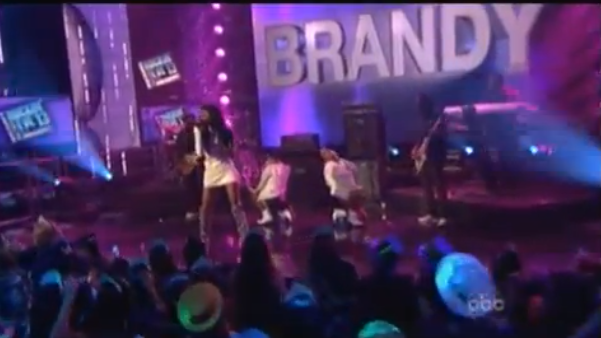 [Video] Newly Engaged Brandy Performs At 'Rockin' New Years' Party