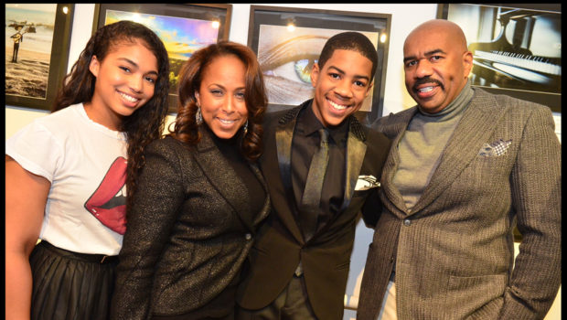 [Photos] Steve Harvey's 15-Year-Old Son Throws His First Art Showcase