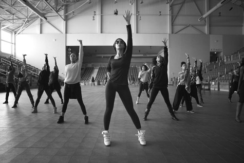 [Video] Beyonce Rehearses for Super Bowl Halftime Show