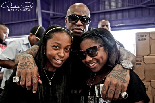 Lil Wayne & Birdman's Daughters Penning Teen Book + Ashanti's Washboard Game
