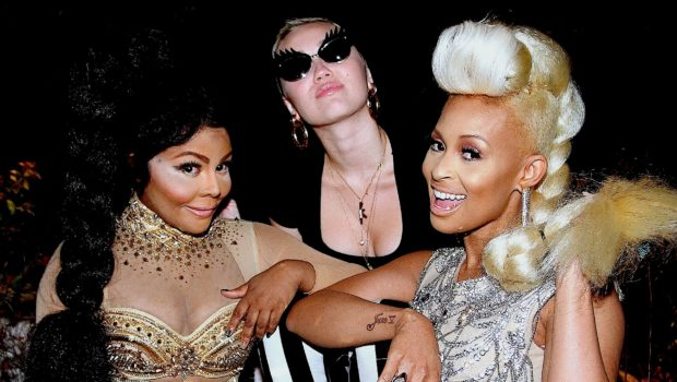 [Photos] Girl Power! Miley Cyrus Spreads Video Love to Tiffany Foxx & Lil Kim