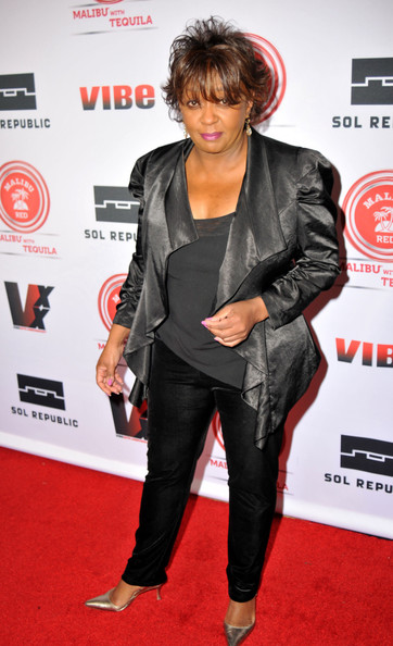 Anita Baker Recalls 2 Stalkers Following Her For 3 Days: I Was Ticketed, No One Is Immune To Police Abuse