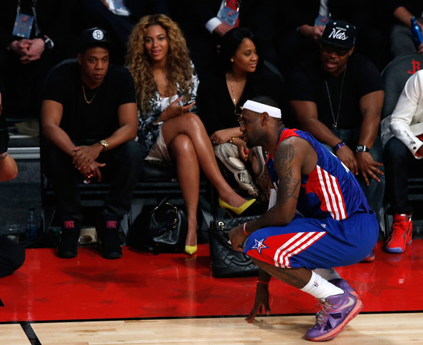 [Photos] Spike Lee, 2 Chainz, Jay-Z & Beyonce Trip A Referee @ All-Star Game