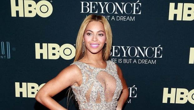 Beyonce's Documentary Will Address Firing Father, Mathew Knowles + Premiere Photos