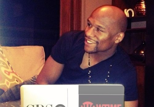 Floyd Mayweather Inks Record Breaking Deal With Showtime