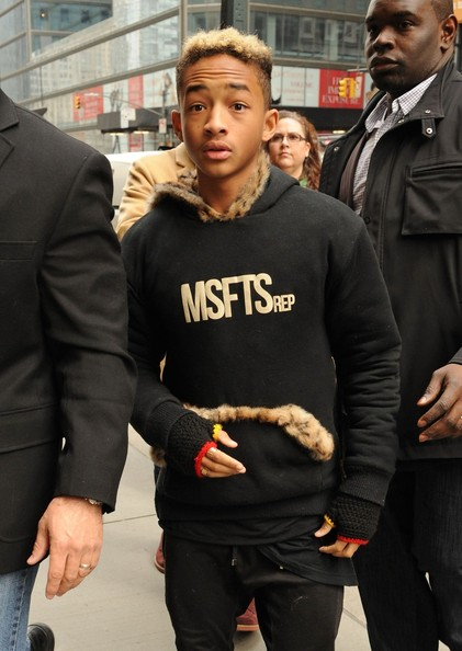 Willow & Jaden Smith Shoot Video, Rob Kardashian Exercises + More Celebrity Stalking