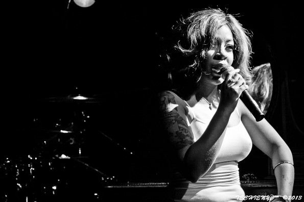 kmichelle-performs at bb kings nyc-c-the jasmine brand