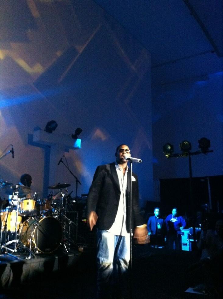 r.kelly performs-michael jordan 50th birthday party-all star weekend-the jasmine brand