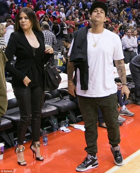 Kardashians- Clipper-game-the-jasmine-brand (1)