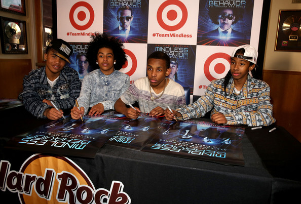 Mindless-Behavior-Universal-CityWalk-Premiere- the- jasmine-brand (2)