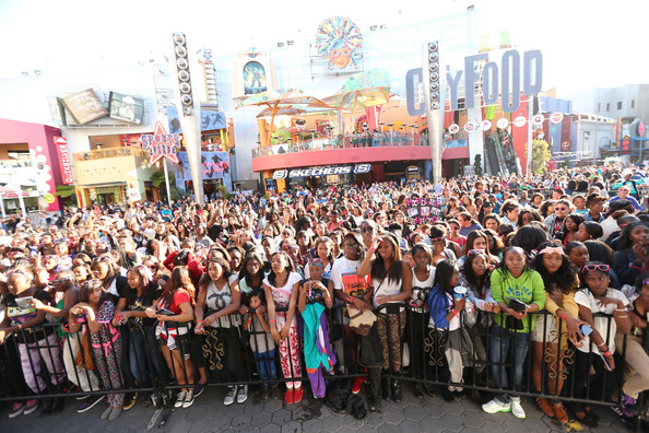 Mindless-Behavior-Universal-CityWalk-Premiere- the- jasmine-brand (3)
