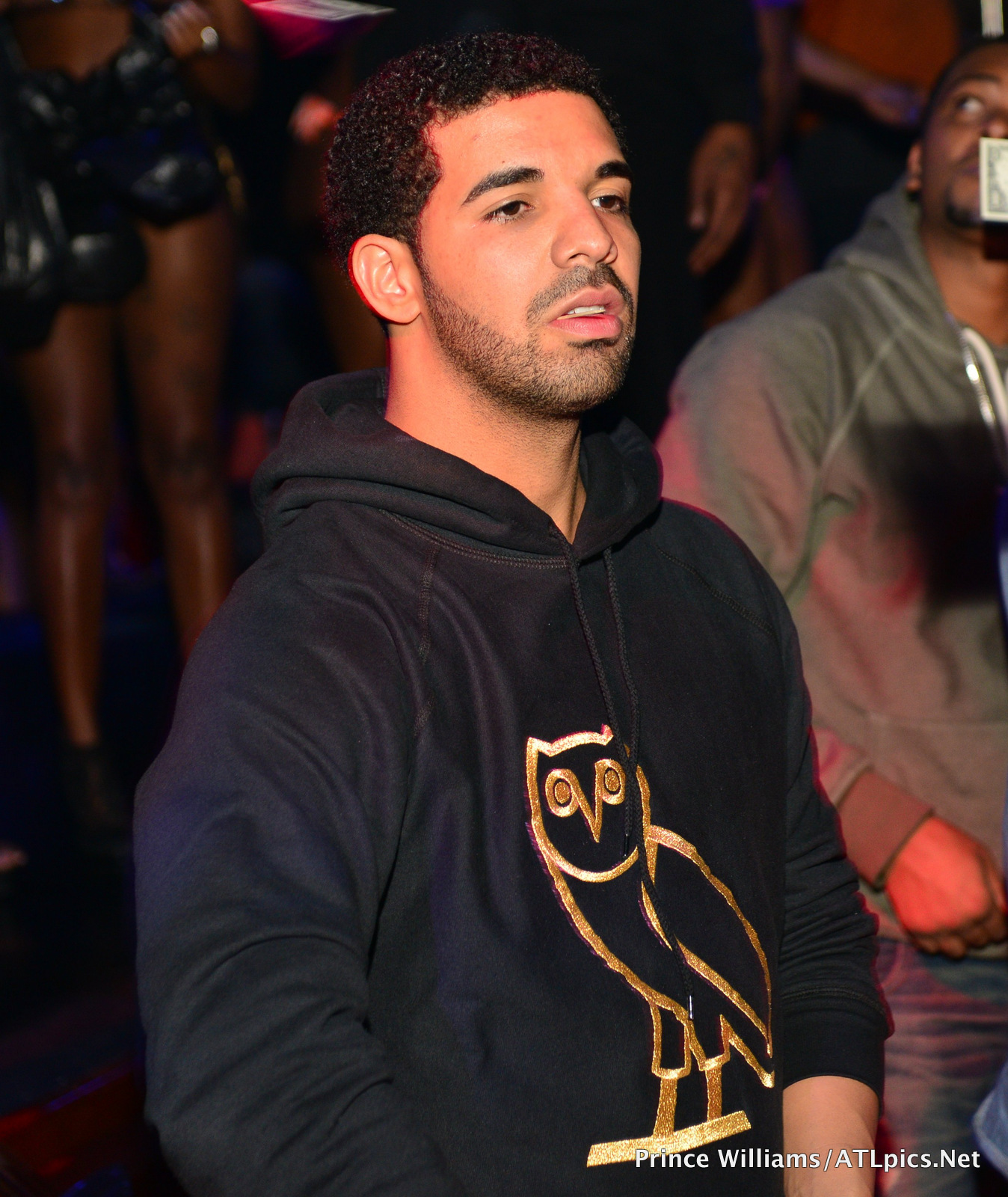 Drake draya michelle take over charlotte strip club for Thedrake