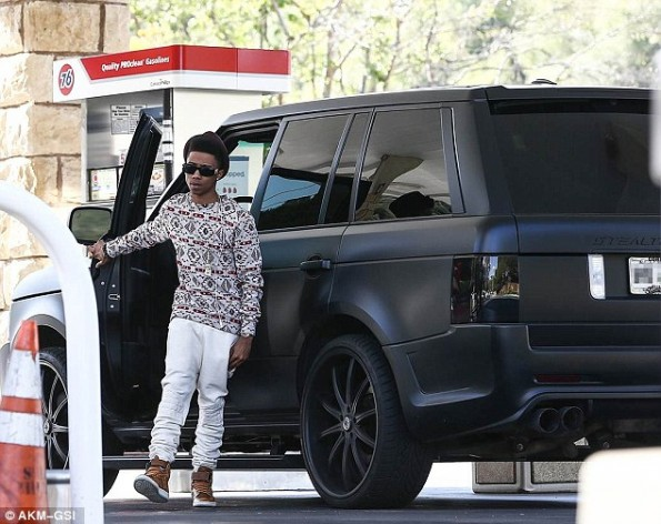 lil twist-car demotion-crashes fisker karma-gets range rover-the jasmine brand