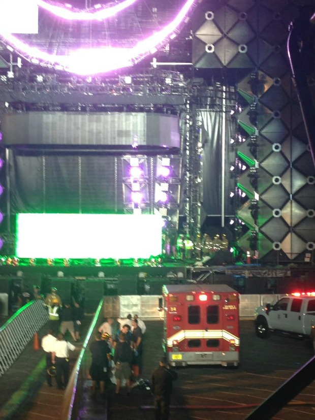 ultra music festival-stage-lighting collapses-the jasmine brand
