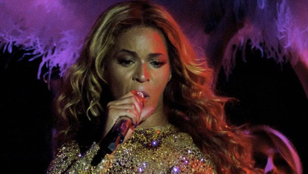 Beyonce Serves Body, Booty & Boobs for The Mrs Carter Show + The Carter's Become The First Billion Dollar Couple