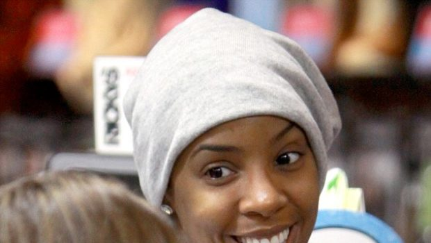 Kelly Rowland Forgets Her Make-Up, Tracee Ellis Ross Dines With Friend + 50 Cent Becomes A Paparazzi