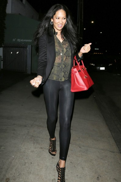 Kimora Lee Simmons Gets Dinner a _thejasminebrand