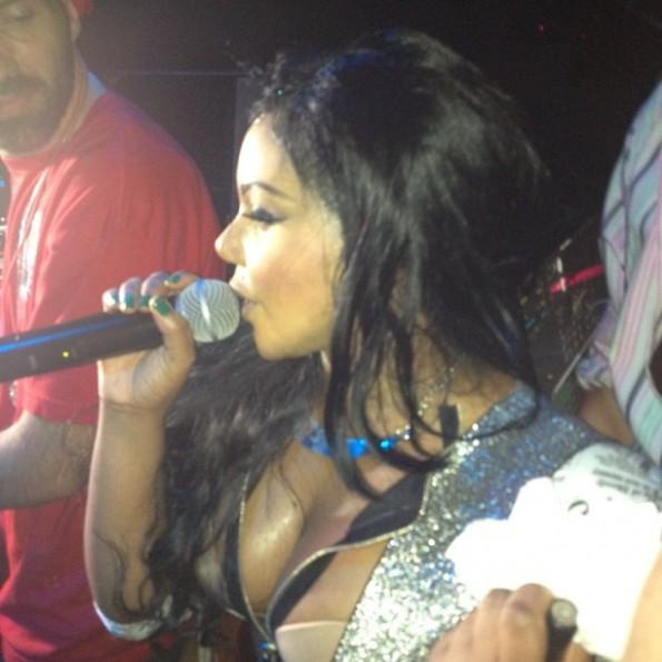 Lil-Kim-Cruise-2013-The-Jasmine-Brand.jpg