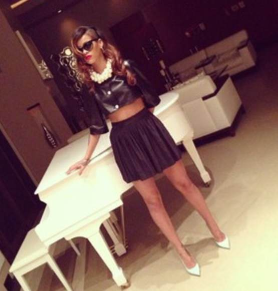 Rihanna-cutoff leather and pleated skirt-fashion-thejasminebrand