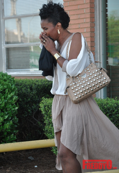 LHHATL-Momma-Dee-Crying-The-Jasmine-Brand.jpg