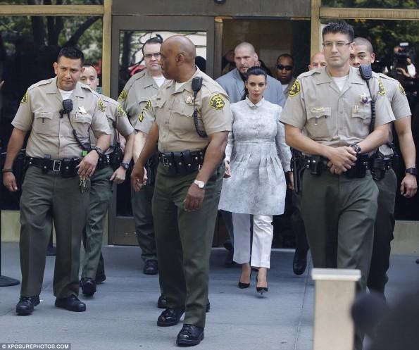 e-kim kardashian-divorce trial court-kris humphries no show-the jasmine brand