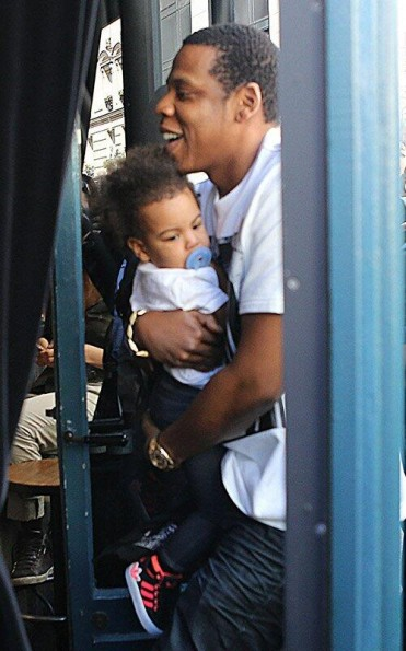 jay-z-blue ivy-beyonce-lunch in paris 2013-the jasmine brand