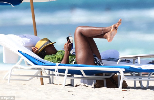 kelly rowland-miami beach 2013-the jasmine brand