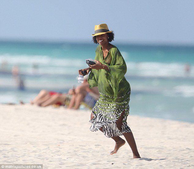 kelly rowland-miami beach-c-the jasmine brand