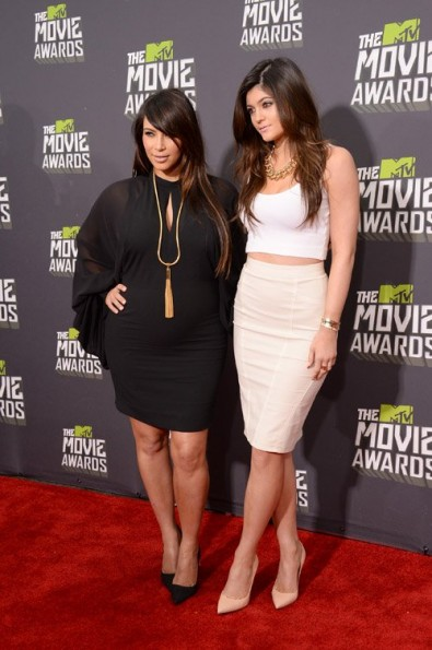 kim kardashian-kylie jenner-mtv movie awards 2013-the jasmine brand