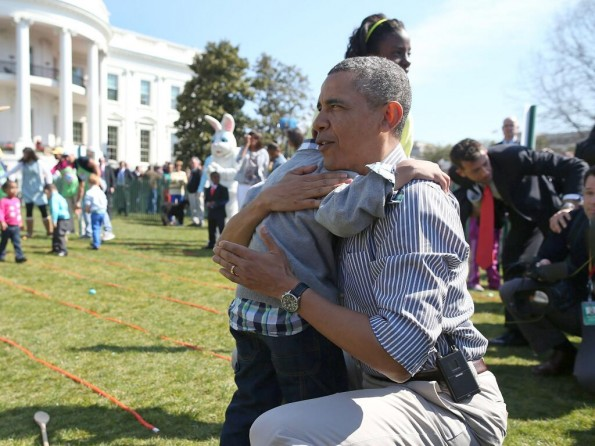 potus-hugs it out with kiddie-easter egg roll 2013-the jasmine brand