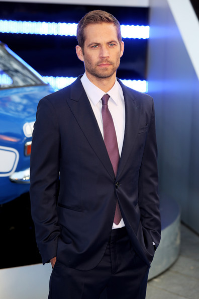 Fast-Furious-6-World-Premiere-Red-Carpet-Arrivals-Paul-Walker- The-Jasmine-Brand(2)