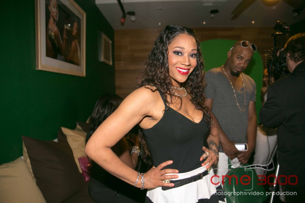 MIMI FAUST-COLGATE OPTIC WHITE BEAUTY BAR GARNER CIRCLE 2013-the jasmine brand