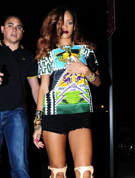 Rihanna-Dinner-Da- Silvano-New-York-The-Jasmine-Brand (2)