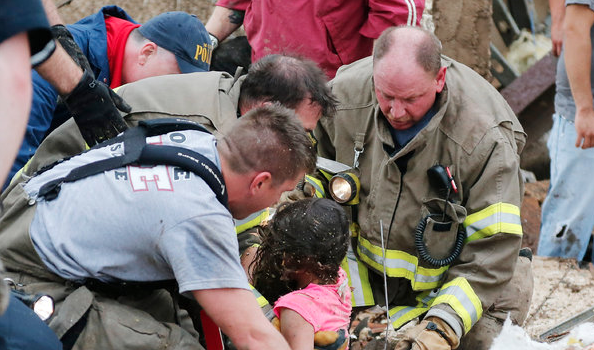 [Photos] 24 People Killed, Including 9 Children In Devestating Oklahoma Tornado