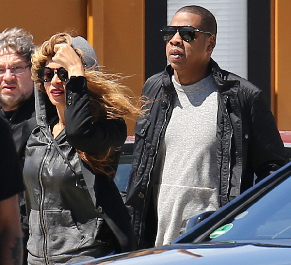 [Photos] Jay Z Denies Pregnancy # Two + Who Do You Believe: E! News or Hot 97?