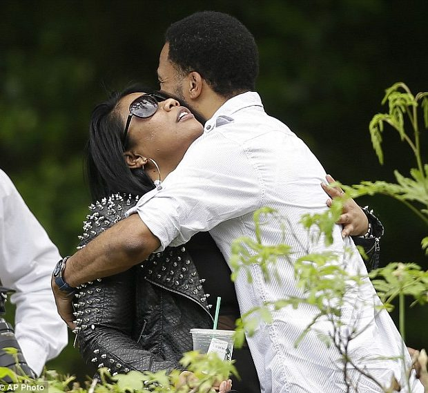 [Photos] Family & Friends Mourn Chris Kelly, Attend Rapper's Wake in Atlanta