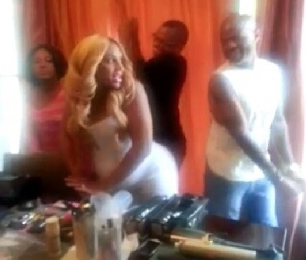[WATCH] A Very Pregnant Tamar Braxton Shows Us How To 'Pop That Baby' + J.Lo Opening A Chain Of Cellphone Stores