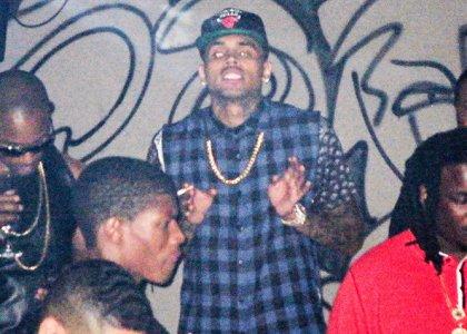 Chris-Brown-Smoking-In-The-Club-2013-The-Jasmine-Brand
