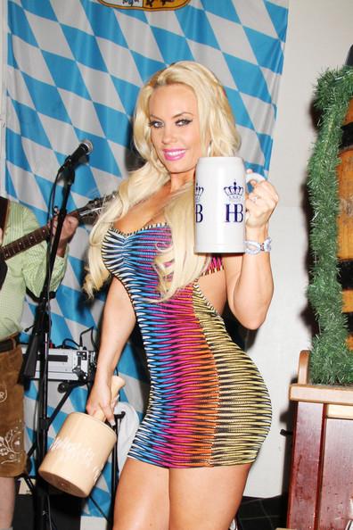 Coco-T-Las-Vegas-Hoftbrauhaus-2013-The-Jasmine-Brand