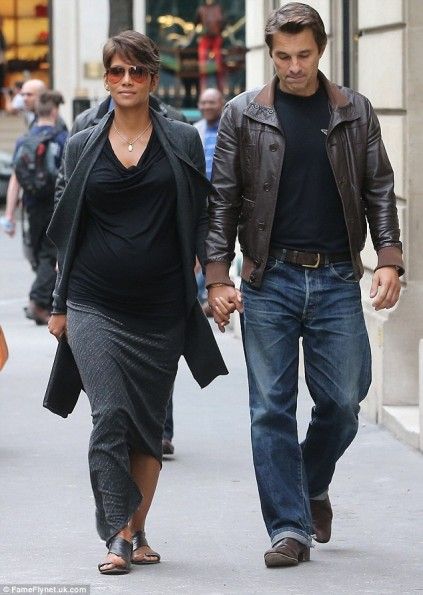 Halle-Berry-Olivier-Martinez-Paris-2013-The-Jasmine-Brand