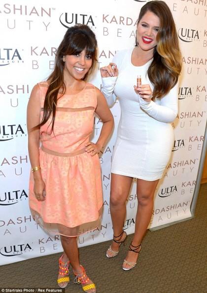 Khloe-Kourtney-Kardashian-Beauty-Launch(2)-California-2013-The-Jasmine-Brand
