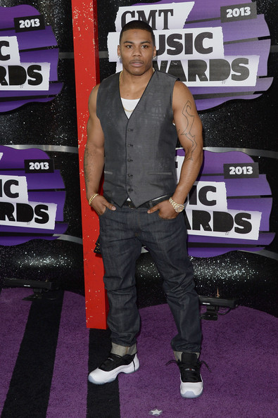 Nelly-CMT-Awards-2013-The-Jasmine-Brand